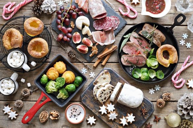shutterstock_christmas buffet (640x427)